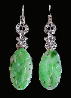 Art Deco Earring - carved Jade and Platin/Brilliant hangers.