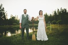 Sunriver Bend Oregon Backyard Wedding - in LOVE with this photographer's style