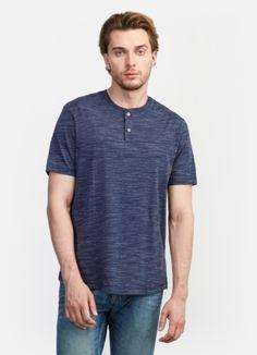 Однотонная футболка за 999р.- от OSTIN
