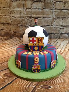 Soccer Birthday Cakes, Soccer Cake, Football Birthday, Soccer Party, Barcelona Cake, Barcelona Party, Paul Cakes, Quilted Cake, Football Cakes