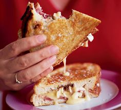 Pan-fried camembert sandwich: A toasted cheese sandwich that is anything but ordinary - oozing with camembert and topped with cranberry sauce to give it a Christmas kick Bbc Good Food Recipes, Cooking Recipes, Yummy Food, Tasty, Cafe Recipes, Quick Recipes, Camembert Recipes, Camembert Cheese, Savoury Recipes