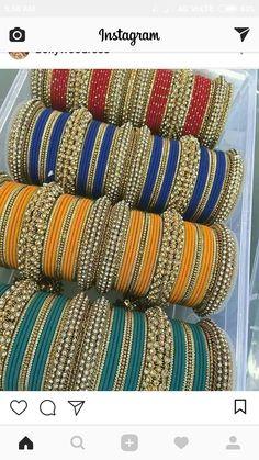 Tere naam ki chudiya I loved bangles 😘😘😘 Silk Thread Bangles, Thread Jewellery, Indian Earrings, Indian Jewelry, Bangle Set, Bangle Bracelets, Chuda Bangles, Thread Bangles Design, Bridal Bangles