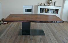 Kauri Tisch mit Naturkante,  hochwertige Naturmöbel, extravagante Holztische, ausgefallene Esstische mit Baumkante