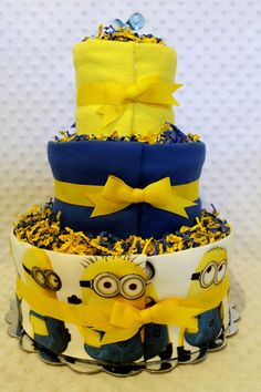Minion Baby Diaper Cake. 。◕‿◕。 See my Despicable Me  Minions pins https://www.pinterest.com/search/my_pins/?q=minions