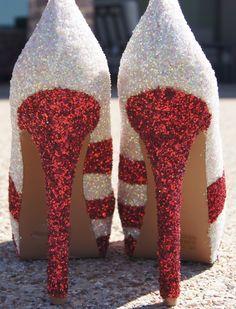 Christmas Glitter Shoes #glitter #heels http://www.loveitsomuch.com/