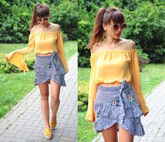 gingham skirt, bell sleeves top and espadrilles: http://jointyicroissanty.blogspot.com/2017/08/gingham-skirt-and-bell-sleeves-top.html