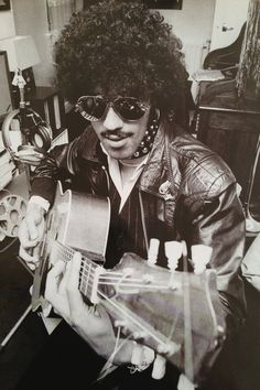 We love all things Thin Lizzy, especially this shot of Phil Lynott.