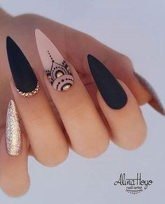 Best Acrylic Nails, Acrylic Nail Designs, Nail Art Designs, Indian Nail Designs, Unique Nail Designs, Pointy Acrylic Nails, Indian Nail Art, Diamond Nail Designs, Black Nail Designs