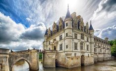 The Chateau of Chenonceau, on the Cher river Canon, Evans, Architecture, Barcelona Cathedral, To Go, France, River, Mansions, House Styles