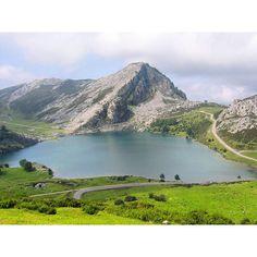 Lago Enol en los Picos de Europa vía #Turispaingram