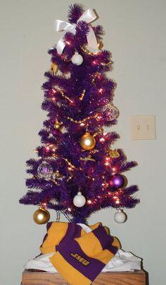 @James Madison University JMU Christmas tree!