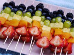 Kids Picnic Foods, Best Picnic Food, Picnic Drinks, Healthy Picnic, Picnic Snacks, Healthy Brunch, Beach Picnic Foods, Picnic Ideas, Healthy Finger Foods