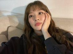 South Korean Girls, Korean Girl Groups, Seulgi Instagram, Red Velvet Seulgi, Kim Yerim, Sooyoung, Height And Weight, Pretty, Color