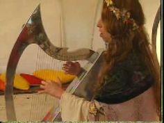 Cynthia Valenzuela plays her Metalic Harp