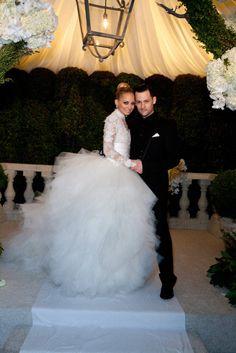 Nicole Richie & Joel Madden (December 11, 2010) Gown: Marchesa   Location: LA   Status: Married, 2 Children