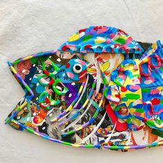 In Kürze erhältlich New Fish Art Recycled Magazines, Old Magazines, Recycled Art, Found Object Art, Collage Making, Colorful Fish, Assemblage Art, Green Art, Environmental Art