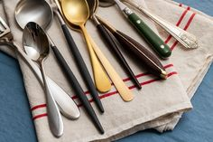 How to Choose the Best Flatware Steel Grades, Types Of Steel, Forged Knife, Stainless Steel Flatware, Kitchen Items, Dinnerware, How To Make, Tabletop, Design