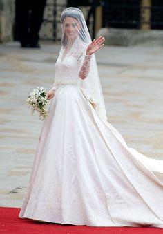 Royal Wedding: Kate Middleton in Alexander McQueen Wedding Dress