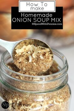 Homemade Onion Soup Mix is easy to make and can replace an Onion Soup Mix Packet in a recipe! Perfect for french onion dip, potatoes, chicken and meatloaf! (Ingredients In A Jar Soup Mixes) Homemade Onion Soup Mix, Homemade Spices, Homemade Seasonings, Homemade French Onion Dip, Recipe For French Onion Soup Mix, Dried Onion Soup Recipe, Gluten Free Onion Soup Mix Recipe, Homemade Italian Seasoning, Onion Soup Recipes