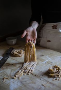 A Guide for Cutting Tagliatelle and Tagliolini, and Herb Tagliolini with Lemon & Pecorino - Hortus Natural Cooking by Valentina Solfrini Fun Cooking, Cooking Tips, Girl Cooking, Cooking Chef, Healthy Cooking, Cooking Pasta, Cooking Gadgets, Cooking Videos, Cooking Utensils