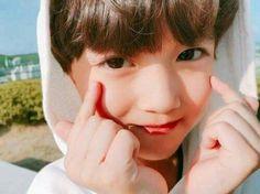 "SEASON 2 ON ""Sweet but Psycho"" Ranked in Kim 14062019 Ranked in b×b 12062019 Ranked in Vkook 12072019 Ranked in drama 10062019 Ranked. Cute Asian Babies, Cute Korean Boys, Korean Babies, Asian Kids, Cute Babies, Ho Baby, Cute Baby Boy, Cute Boys, Handsome Kids"