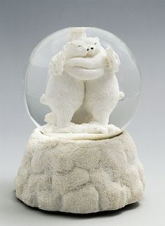 White bears, snowglobe, 20th century