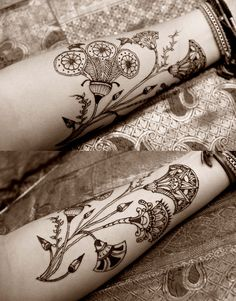 finally finding some inspiration for my tattoo. not necessarily the flowers, but the Egyptian motif. this is henna btw