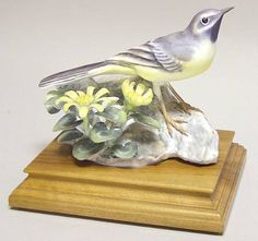 Royal WorcesterDoughty British Birds: Grey Wagtail and Celandine