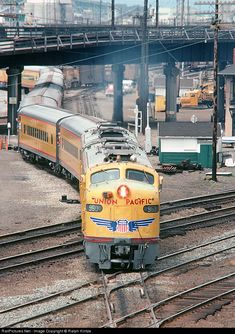Net Photo: UP 960 Union Pacific EMD at Seattle, Washington by Ralph Hintze Union Pacific Train, Union Pacific Railroad, Heritage Train, Diesel, Grand Funk Railroad, New Trucks, Pickup Trucks, Old Steam Train, Railroad History