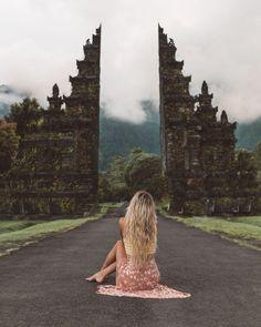Solo Travel Inspiration - - Bali Travel Ubud - World Travel Wallpaper Places To Travel, Travel Destinations, Image Tumblr, Bali Honeymoon, Bali Travel Guide, Travel Videos, Travel Aesthetic, Solo Travel, Belle Photo
