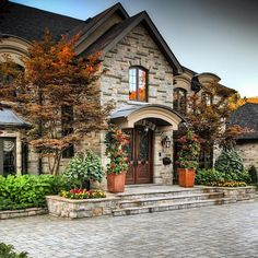 """How lovely is this entrance?! By @prolandlandscape """