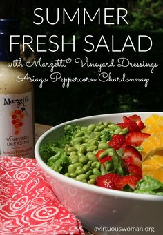 ----------> This Summer Fresh Salad is perfect for lunch or for a light supper! YUM! #ad #Marzetti
