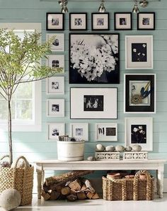 Picture arrangements like this are so homey
