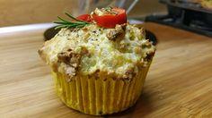 Hartige muffin met zoete aardappel, lenteui, parmezaanse kaas, chilipeper, mascarpone, bloem, tijm, rozemarijn en maanzaad.