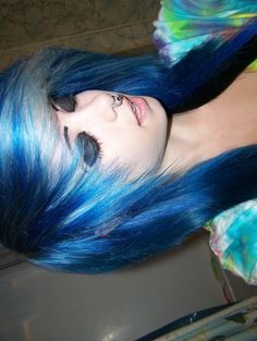 Blue silver scene hair c: Piercing Tattoo, Piercings, Cute Emo Girls, Pelo Multicolor, Emo Scene Hair, Alternative Hair, Coloured Hair, Cool Hair Color, Hair Colors