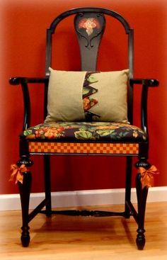 Hand-painted chair. ~via missingsisterstill - Alison would adore this! Or so I think!
