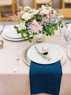 Navy and blush rustic wedding table decor: http://www.stylemepretty.com/2016/11/28/michaela-noelle-designs-wedding/ Photography: Danielle Poff - http://www.daniellepoff.com/