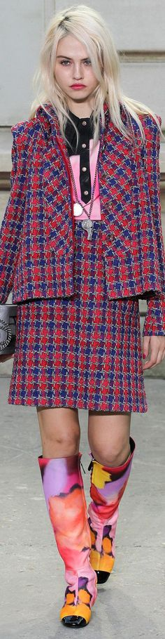 CHANEL Collection  Spring 2015 - pin courtesy of James Mitchell \\\