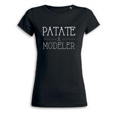 """Le t-shirt noir pour femme, personnalisé avec un visuel """"Patate à modeler"""" de la collection Les P'tits Cracks."""