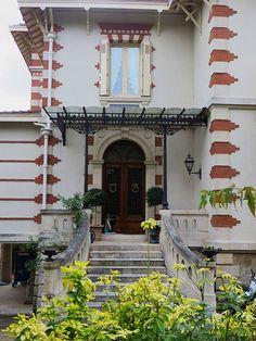 Villa art nouveau, Ville d'Hiver, Arcachon, Gironde, Aquitaine, France.   Flickr - Photo Sharing!