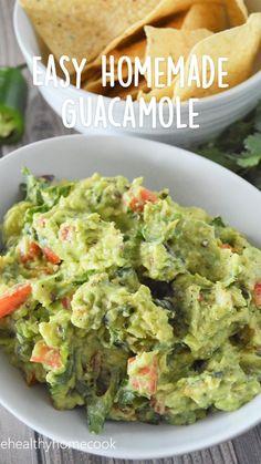 Avocado Dip Recipes, Home Made Guacamole Recipe, Healthy Guacamole Recipe, Homemade Guacamole Easy, Avacado Dip, Chipotle Guacamole Recipe, Chunky Guacamole Recipe, Authentic Guacamole Recipe, Guacamole Salsa