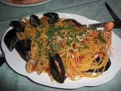 Spaghetti ai frutti di mare... una bontà eccezionale... come li cucinano al sud  e in Campania poi... ricordo sempre quelli della provincia di Salerno....