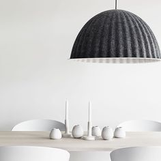 Made from recycled plastic felt UNDER THE BELL is a large lamp that creates a new space within a space. Its eye-catching design can also help to absorb noise and improve the acoustics in large rooms. Get the look by mixing with Muuto FIBER chairs and the solid ash SPLIT table. #iskosberlin #muutodesign #muuto #scandinaviandesign #newperspective #lamp #muutolamp #newnordic #photographer @petrabindel for Swedish #folkhem by muutodesign