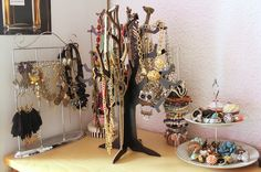 """Beitrag 4 von """"Dreams.Everybody has them."""" blog! #schmuck #schmuckbaum #deko #jewelry #jewelrytree #homedecor #autumn - http://www.fashionforhome.de/schmuckbaum-challenge"""