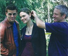I had a great time filming in flordia, Emily's hair on the other hand, was not so great. Booth And Bones, Booth And Brennan, Bones Tv Series, Seeley Booth, Kathy Reichs, Bones Show, Emily Deschanel, David Boreanaz, Stana Katic