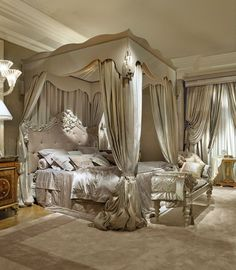 Luxurious bedrooms - 29 best canopy bed examples to introduce into your bedroom 17 Dream Rooms, Dream Bedroom, Home Bedroom, Modern Bedroom, Master Bedroom, Bedroom Decor, Bedroom Photos, Bedroom Furniture, Royal Bedroom