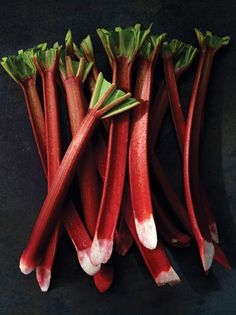 Rhubarbs tart flavor is delicious in a variety of dishes. Here are our favorite rhubarb recipes, including airy rhubarb mousse, sweet rhubarb-strawberry jam, and classic rhubarb pie. Rhubarb Tart, Rhubarb Desserts, Just Desserts, Delicious Desserts, Rhubarb Dishes, Rhubarb Cobbler, Best Rhubarb Recipes, Fruit Recipes, Veggies