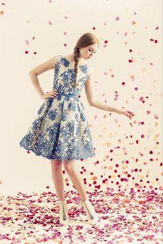 Love the daintiness of this #Alice+Olivia dress #Resort #FashionTV
