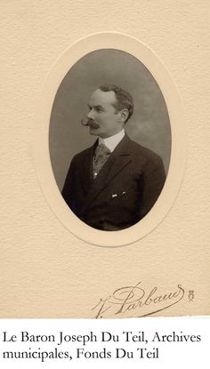 Sa femme légua également une série de photographies du Baron en officier ou en habits civils.