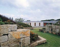 Manuel Gallego. Complejo presidencial de la Xunta de Galicia. Fotografía: Elisa Gallego, Pablo Gallego.   #tc_arquitectura #architecture_publication #spanish_architects